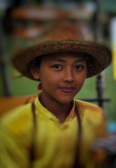 People of Klonghae by izhameffendi