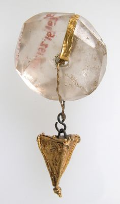 Ancient Ostrogothic Rock Crystal & Gold Pendant, circa 2nd-3rd century.  #crystal #quartz #mineral #antiquity #jewelry