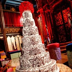 """Henna"" cake"