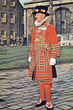 Vintage Postcard of London - Beefeater