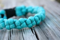 The Japan-Paracord Bracelet. Another must do project for the bored or lonely army spouse :)