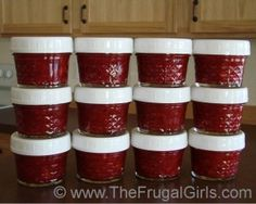 Easy Freezer Jam Recipe {stock your freezer and give some as gifts!!} ~ from TheFrugalGirls.com #jam #masonjars
