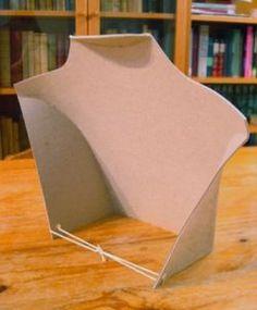 Exhibidor de collares de cartón 2