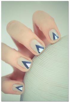 Love this nail design!  Reminds me Eve Gravel coll - http://yournailart.com/love-this-nail-design-reminds-me-eve-gravel-coll/ - #nails #nail_art #nails_design #nail_ ideas #nail_polish #ideas #beauty #cute #love