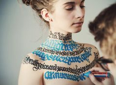 Artist Creates Beautiful Calligraphy On The Bare Bodies Of Girls - DesignTAXI.com