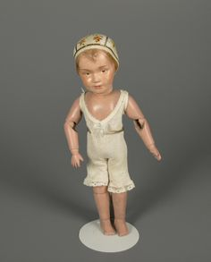 78.3253: Schoenhut Girl 14/106 | doll | Dolls from the Early Twentieth Century | Dolls | National Museum of Play Online Collections | The Strong
