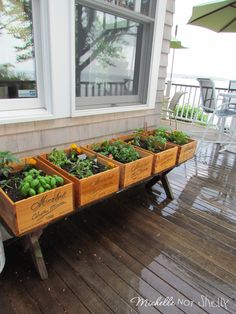 DIY Deck / herb garden using wine boxes. Could do near entry to rear gate. Do not need a bed but keeps it pretty and useful. Look for old sewing machine bases to set them on. Gardens Ideas, Green Thumb, Wine Crates, Raised Gardens Beds, Herbs Gardens, Wine Boxes, Decks Gardens, Diy, Front Porches