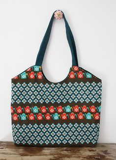 Market bag in retro fabric: teal, tangerine and brown. Lovely vintage  tea pots and flowers!