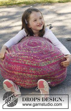 """Free pattern: Crochet DROPS pouf in 3 strands """"Big Fabel""""."""