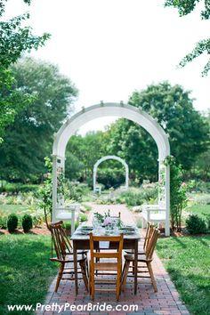 {Styled Shoot} Al Fresco Wedding Inspiration | IYQ Photography | Vintage Rentals: Paisley and Jade | Pretty Pear Bride