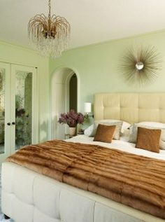 A minty Manhattan bedroom that oozes a sexy luxury!