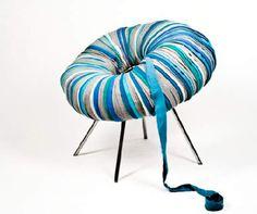 foto de silla hecha con tela reciclada