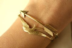 love the arrow bracelet