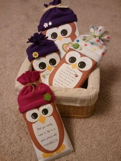 To cute! Free Candy Wrapper Owl Printables. These fit over a king size Hershey's bar or an individual popcorn package.