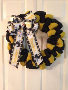 Pittsburg Steelers wreath. NFL wreath. Customizable to favorite team!