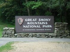 Smoky Mountains Vacation - Gatlinburg, Pigeon Forge, Sevierville