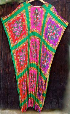 maxi kaftan, caftan dress, accordion pleat, vintag 70s, 70s trippin