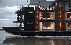 houseboat - wow