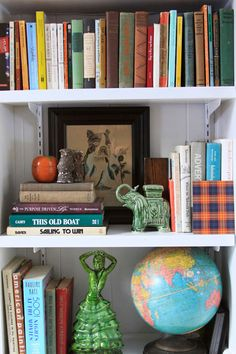 great bookshelf arrangement