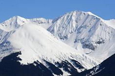 Snow clad mountains along Turnagain Arm near Girdwood, Alaska by Alaskan Dude, via Flickr mountain