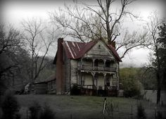 Old, empty and peeling, this house would have been a mansion in it's day. It's surrounded by empty fields and has a majestic view of the mountain. Someone still keeps up the yard, but I think I'll be sad if anyone ever renovates it because it's so beautiful as it is.