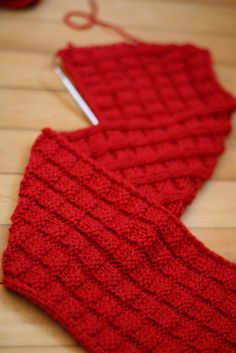 red scarf (free pattern)