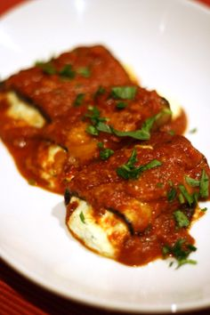 No Gluten, No Problem: Eggplant Cannelloni -- Would have to figure out the best way to make this DF...