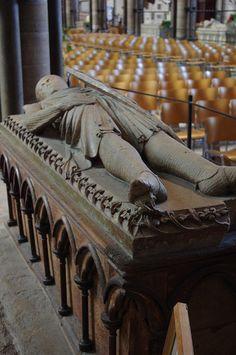 Tomb of William Longespe, Earl of Salisbury    Illegitimate son of Henry II and Half Brother of King John,Salisbury Cathedral