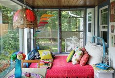 Elise's Eclectic Cottage in the Mountains