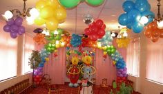 balloon party decorations. Ceiling Balloons!!