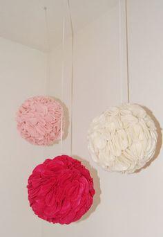 Felt pom poms - every little girl's room deserves some pom pom loves!