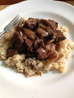 crockpot red wine beef  onions over brown rice