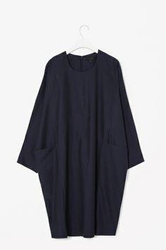 Dress with pockets (perfect artsy black dress)