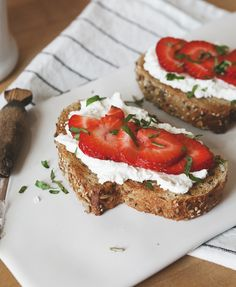 This post comes from our contributor Jill ofa Better Happier St. Sebastian. Strawberry Basil + Ricotta Breakfast Tartine makes 2 2 thick slices multigrain bread 1/2 cup ricotta 1 tsp honey 6 oz strawberries, washed and sliced 4 leaves basil, cut into chiffonades Toast slices of bread until crispy. Meanwhile, in a small bowl, whisk