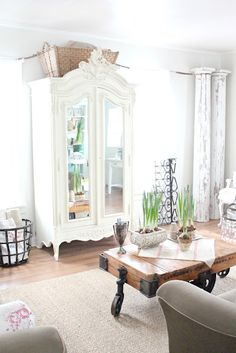 beautiful white room
