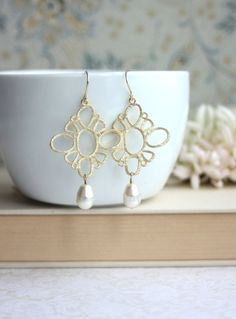 Gold Filigree and Swarovski Ivory Pearls Earrings.