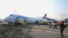 747 Air France gear up landing