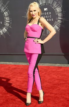 LOVE!!!  In Brand colors and everything.  :)  Gwen Stefani: 2014 VMAs
