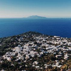 Capri, Italy / photo by William Kim