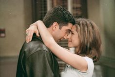 Everything I Need to Know, I learned from Ross & Rachel [HelloGiggles]
