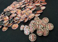 Chapas y pins personalizados con el diseño que quieras.