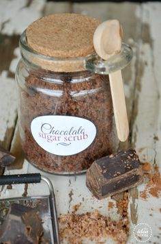 Homemade chocolate sugar scrub ...yes please!