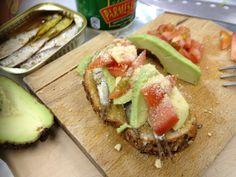 sardines sandwich with avocado