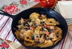 Six Ingredient Chicken Fajita Nachos: cast iron cooking