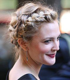 Otro recogido con trenza francesa. esta vez en la cabeza d la actriz Drew Barrymore.