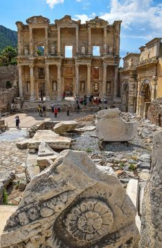 This ancient city is an amazing place to explore for a day...the Library of Celsus, Ephesus Turkey #turkey #ephesus #UNESCO #travel #libraryofcelsus