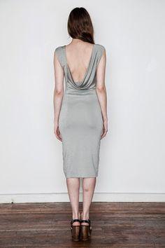 Patrón gratis: vestido con espalda drapeada (Alexander Wang)