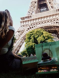 Laduree and the Eiffel tower... doesn't get any better than this...