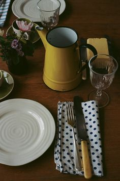 the set table: the art of small gatherings