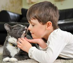 Fraser, a 4 yr old with Autism, and Billy the cat, bought from a shelter, are inseparable. Billy has made life calmer for his family.... *sweetest* story and adorable pictures! Must read!